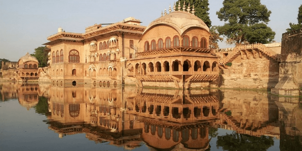 Places to Visit near Delhi on Weekend-Deeg