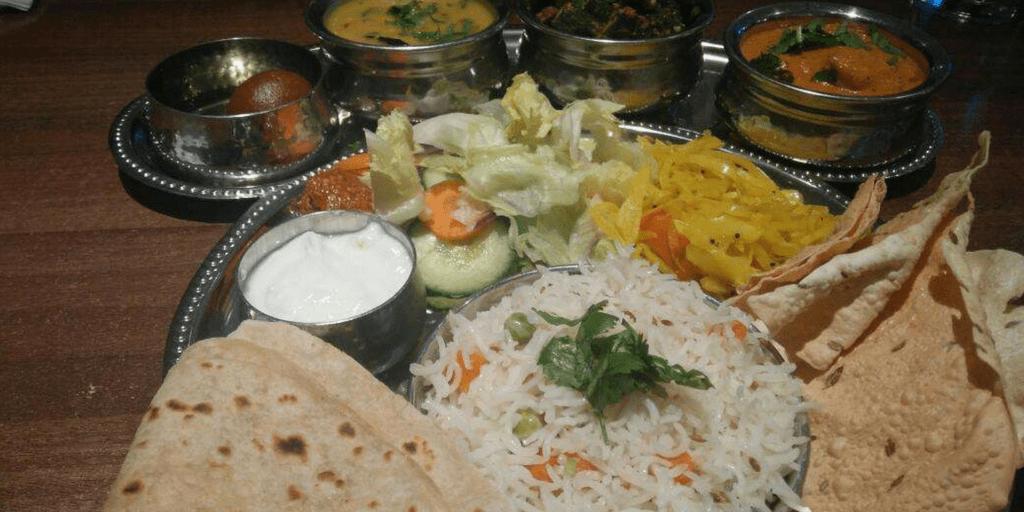 street food in Pune-thaali sharvaree