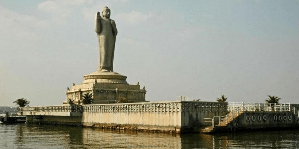 places to visit in Hyderabad in one day-Hussainsagar lake