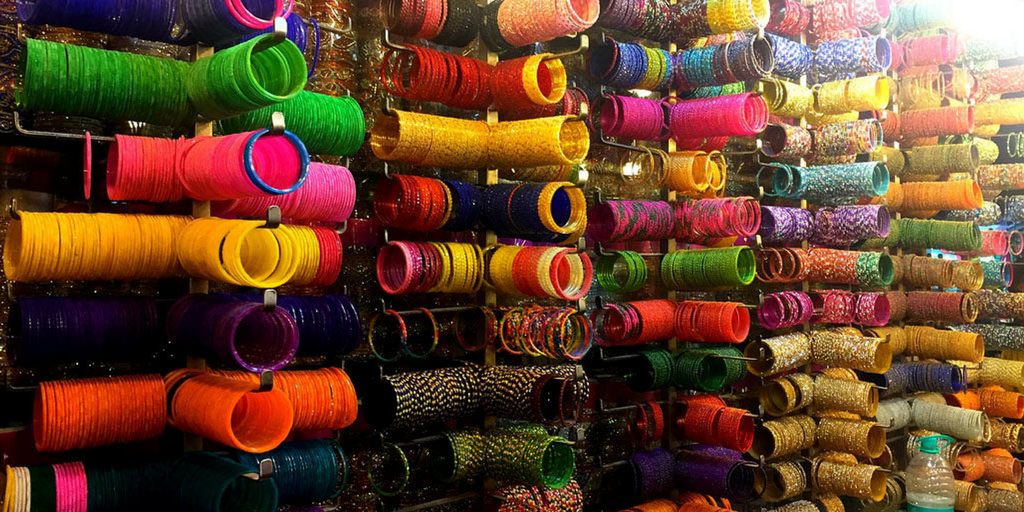 places to visit in Hyderabad in one day-Hyderbad Market