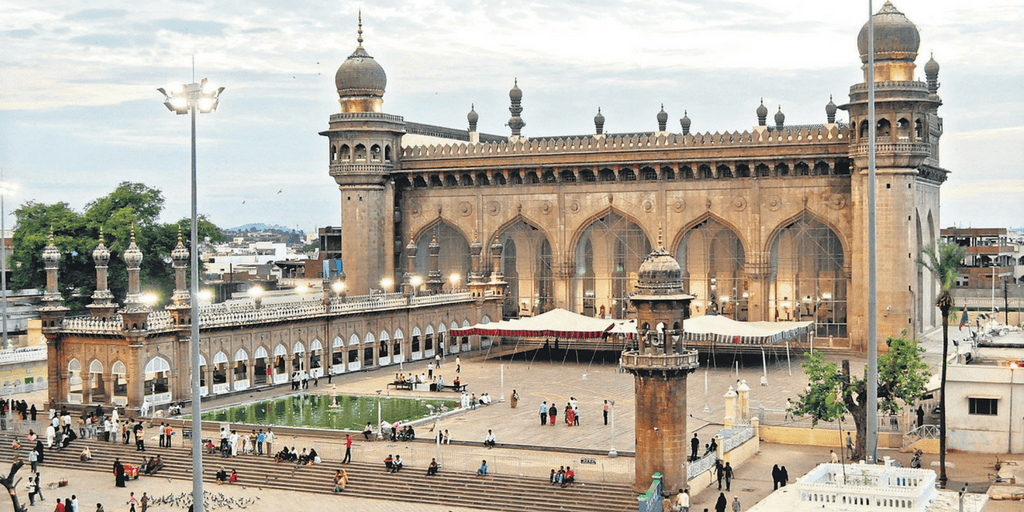 places to visit in Hyderabad in one day-Mecca Masjid
