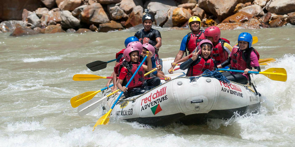 9 Best Water sports in Goa That You Must Give A Try-River Rafting