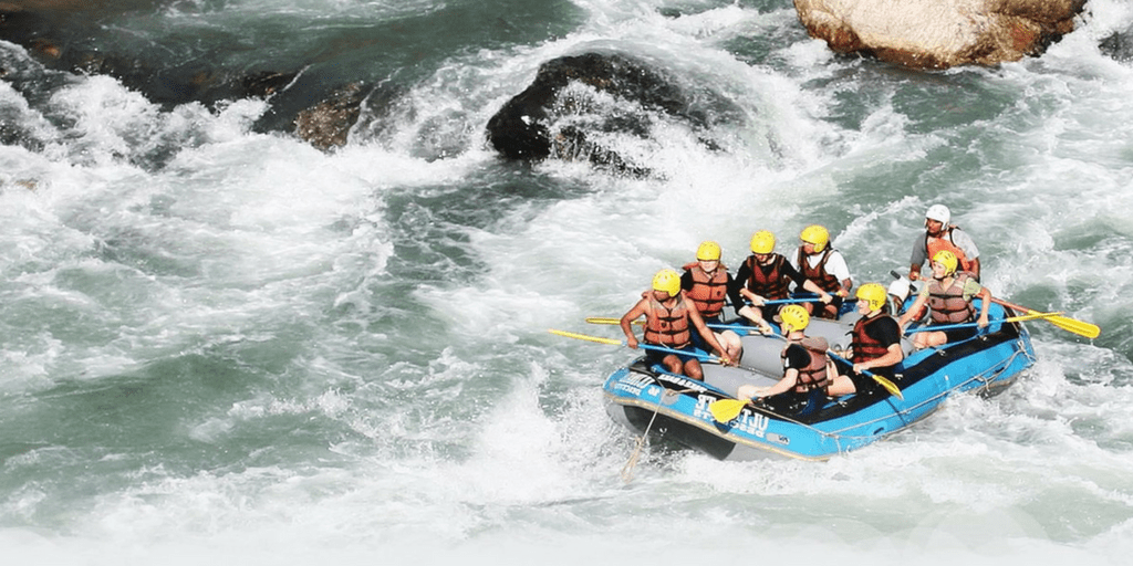 Best holiday Destinations In India-River Rafting