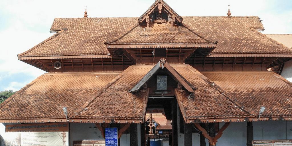 Places to visit near Kochi-Mahadeva Temple