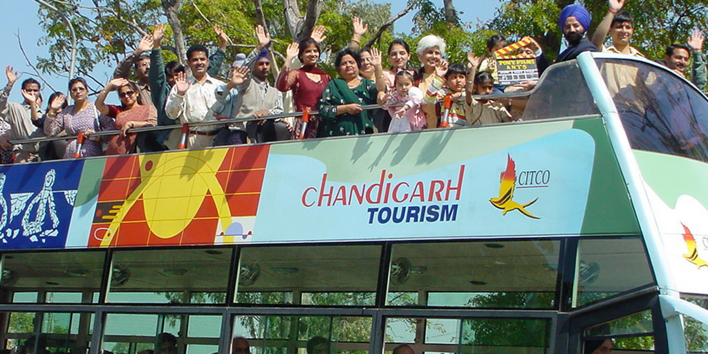 Things to do in Chandigarh-Ho ho buses