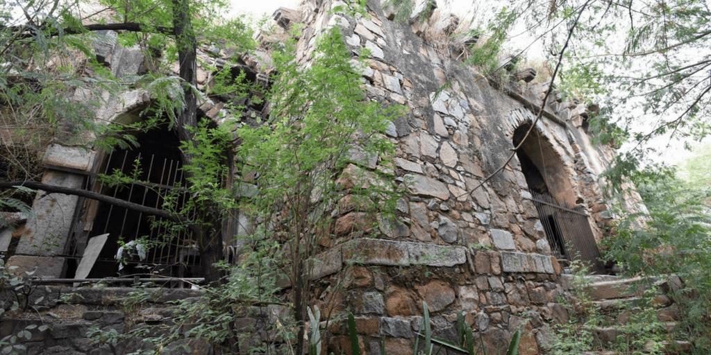 Haunted places in Delhi-Malcha Mahal