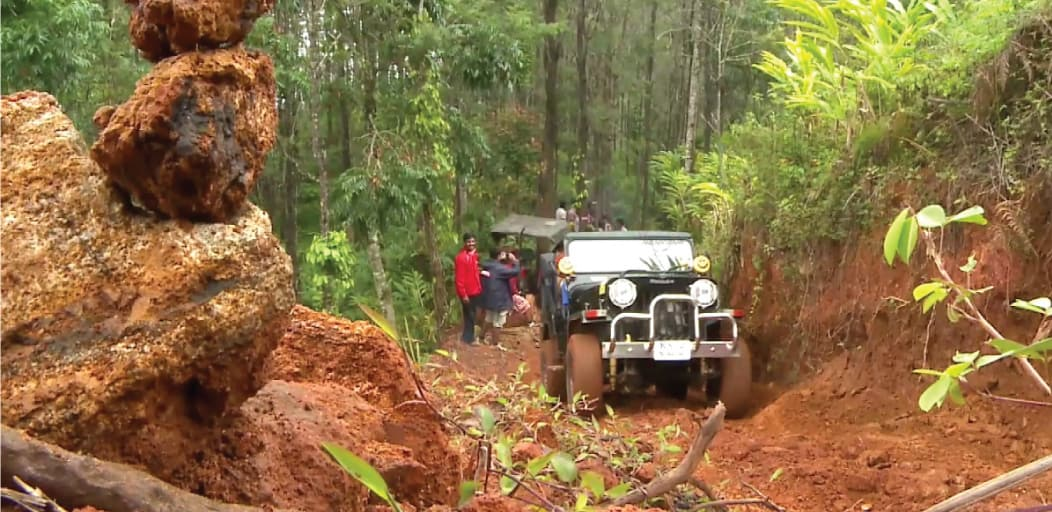 Places to visit in Wayanad in 2 Days - off road jeep drive