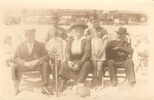 1920, Alex