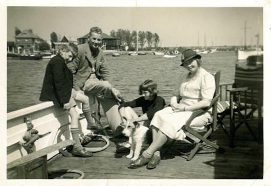 1930, Hubert Raymond