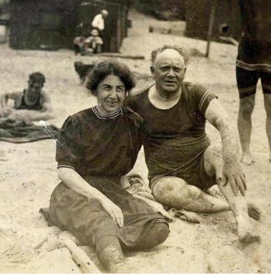 1910, Susan Saltzman