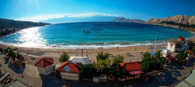 Pláž Baška na ostrově Krk – Chorvatsko