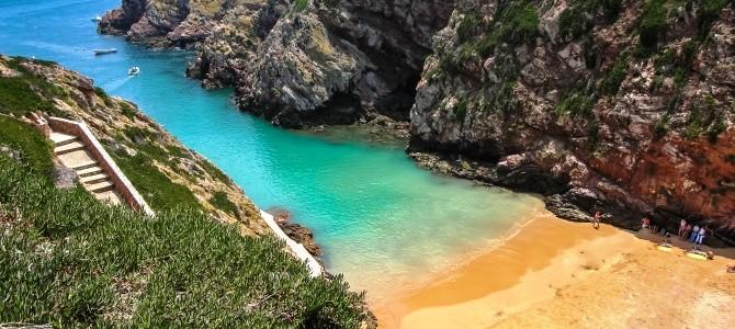 Pláž Carreiro do Mosteiro, ostrov Berlenga, Portugalsko
