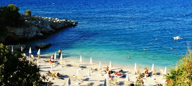 Kassiopi, pláž Bataria, Řecko
