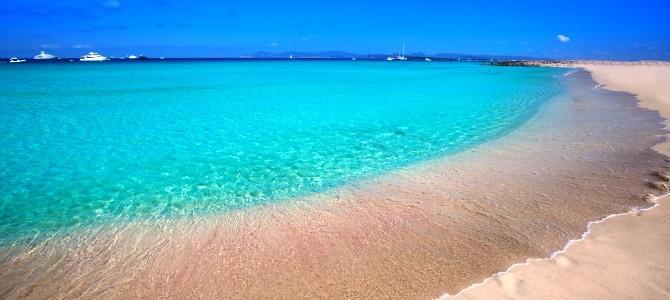Formentera, pláž Playa de ses Illetes, Španělsko