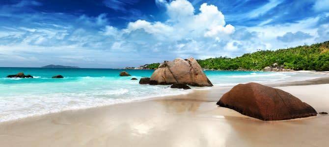 Seychely, pláž Anse Lazio, ostrov Praslin