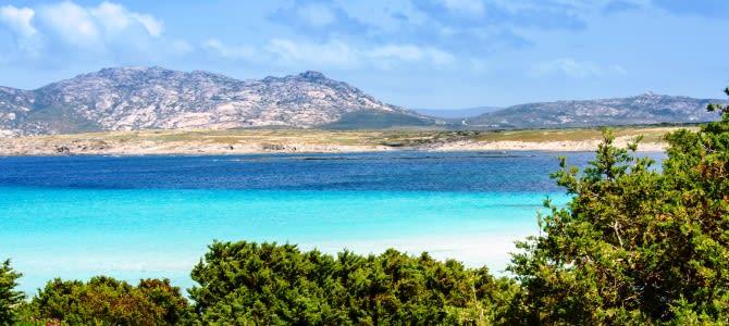 Sardinie, pláž La Pelosa, Itálie