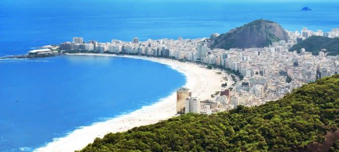Rio de Janeiro, pláž Copacabana, Brazílie