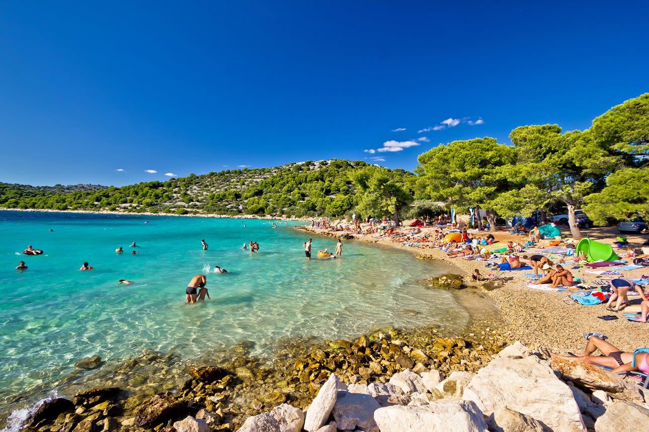 Ostrov Cres, pláž Slatina, Chorvatsko