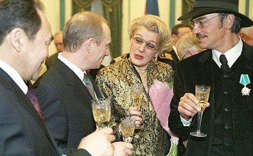 «Она прожила большую, роскошную жизнь»: Светлана Дружинина поделилась воспоминаниями об умершей Инне Макаровой