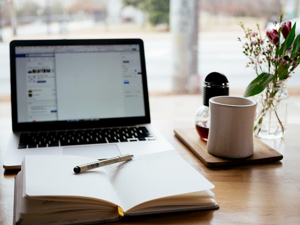 在宅勤務でオンライン勉強会に参加して学ぶ