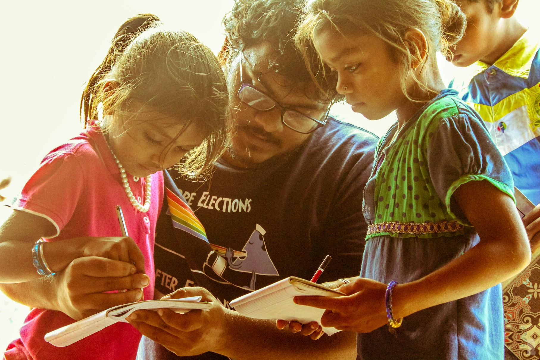 The Door Step School provides education and support to the often-forgotten children of pavement and slum dwellers, construction site families and many other underprivileged families.