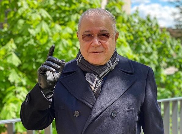 «Семейный лук»: Евгений Петросян удивил первым совместным фото с Татьяной Брухуновой