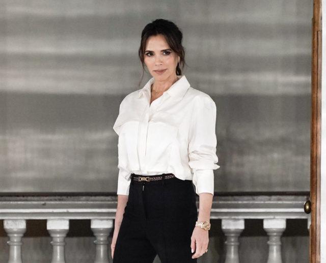 Показ Victoria Beckham на Неделе моды в Лондоне