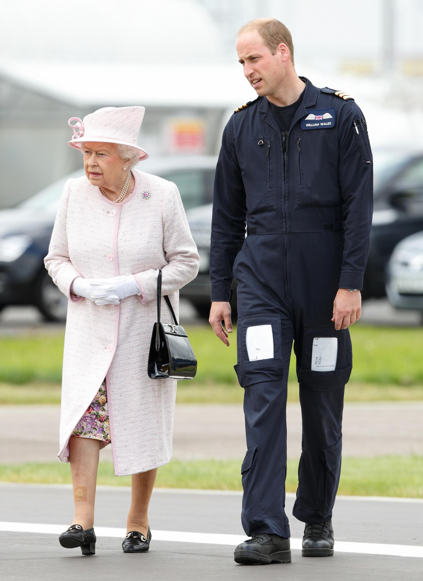 Принц Уильям решил вернуться в санитарную авиацию ради помощи в борьбе с коронавирусом