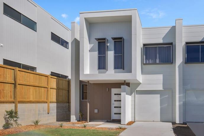 Riverbrooke - 43 Riverbrooke Drive, Upper Coomera