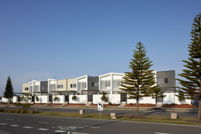 The Carlyle Terraces - 14 Coral Sea Drive, Pelican Waters