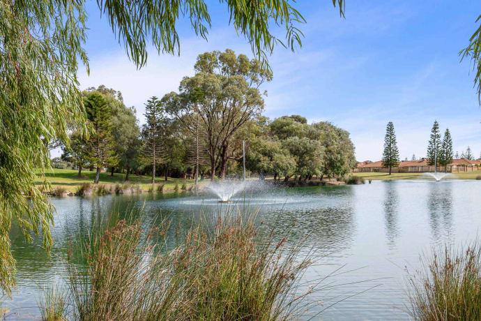 Westralia Gardens - 12 Westralia Gardens, Rockingham