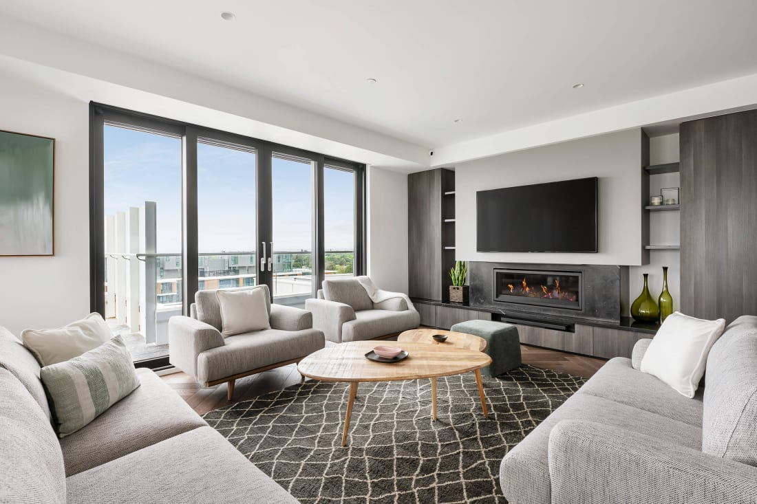 Sandy Hill Penthouse - 222 Bay Road, Sandringham