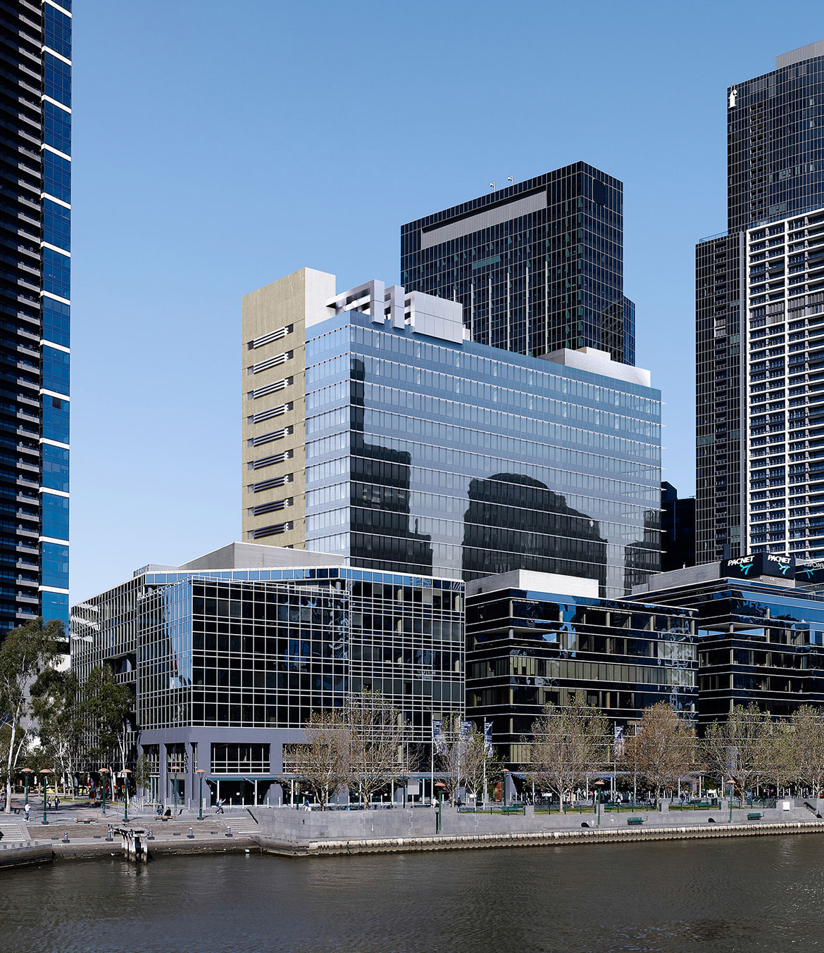 2 Riverside Quay as viewed from north of the Yarra.© Fender Katsalidis.