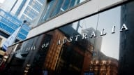 No rate rise until 2024, while RBA continues to demand stringent lending standards