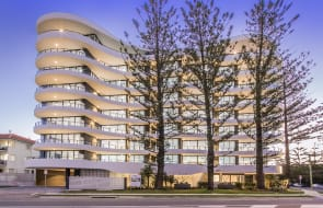 IVY95: Completed new apartments in Broadbeach 150m from the sand