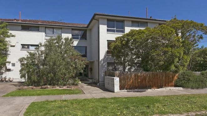 One bedroom Essendon unit sold for $291,000