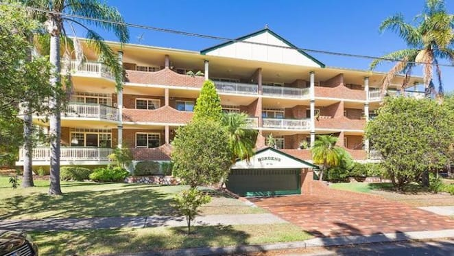Former Home and Away couple buys Cronulla apartment