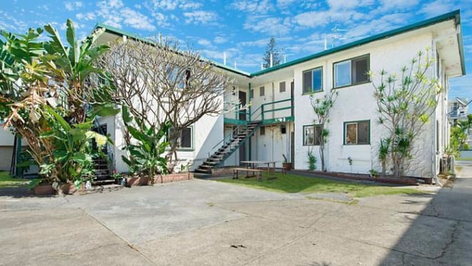 Seagull Lodge, Mermaid Beach sold for $2.4 million to Sydney investor