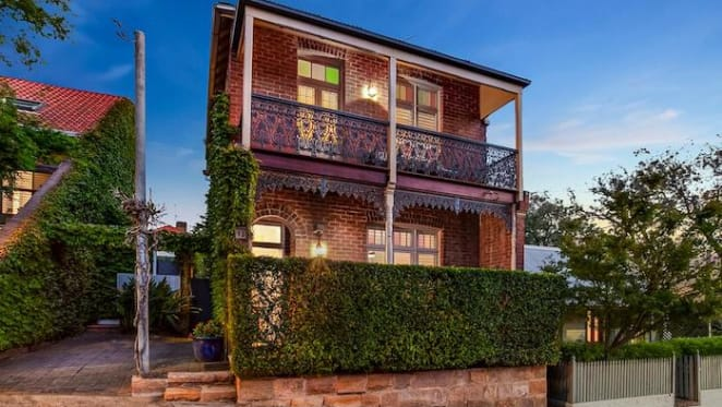 Modern harbourview McMahons Point house sold for $4.425 million