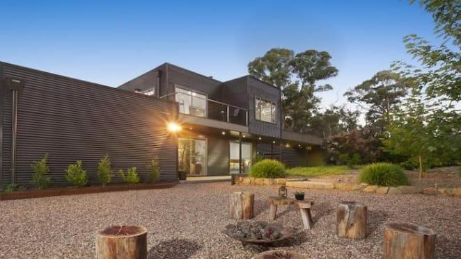 Bushland Hepburn house listed for $1.15 million
