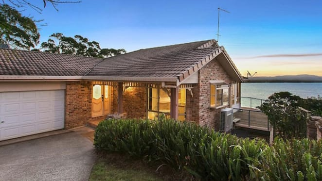 10 bidders seek to snap up Byron Bay holiday home