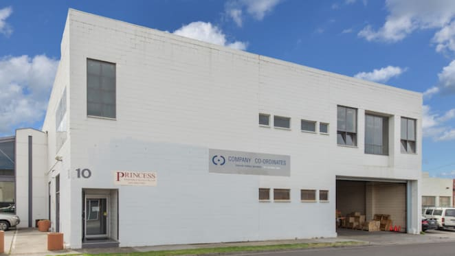 Oakleigh showroom/office sold at auction for $1.7 million
