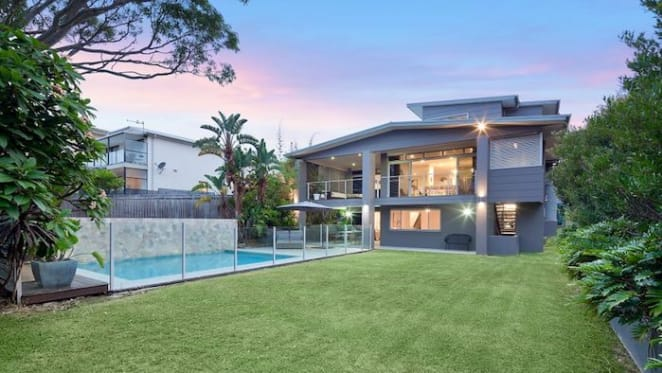 Queenscliff beachside family home sold