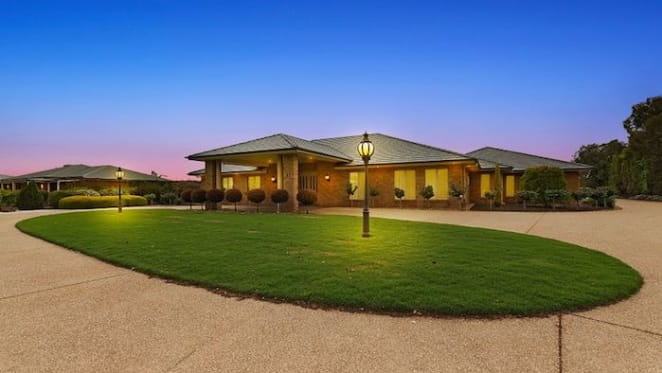 Six bedroom family home in Moama sold