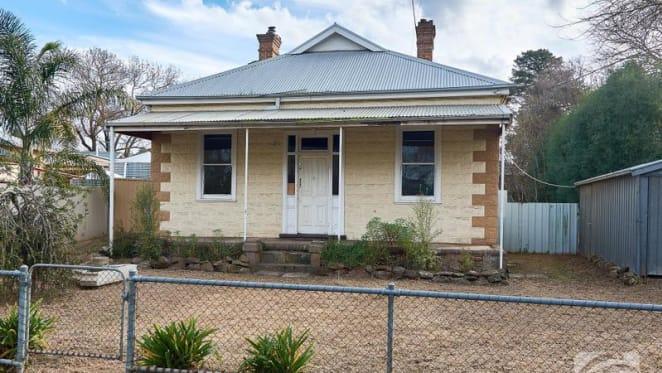 Original 1910 Mount Barker house sold for $320,000