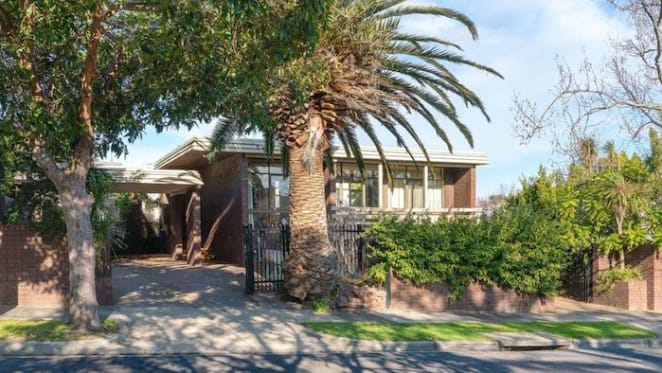 Trophy home in Hawthorn East sold for $3.55 million