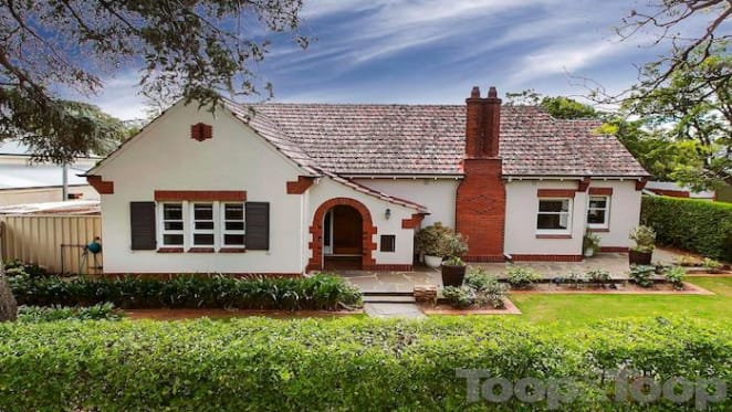 Art-Deco style 1930s Hawthorn house sold for $1.125 million