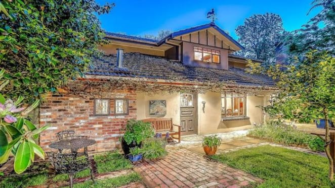 Mount Dandenong trophy home, the Oakridge, listed for sale