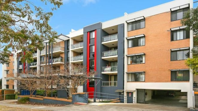 Sydney's cheapest weekend auction saw price fall at Blacktown to $411,000