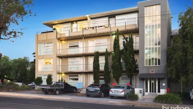 Seven years on, one bedroom St Kilda East apartment sold for $307,000 same price